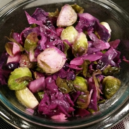 A tasty, easy to make side dish - brussel sprouts, red cabbage and apples :)